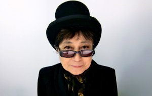 Yoko Ono viene a Chile a presentar su exposición 'Dream Come True'