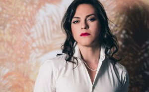 VIDEO | Daniela Vega levanta la voz contra el abuso acompañada de celebridades de Hollywood