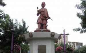 Lamentable: Desconocidos roban partes de una estatua de Copiapó que data de 1851